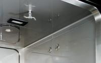 Decontamination chamber